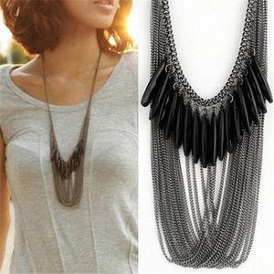 Jewelry - Gunmetal & black bead necklace 🐺